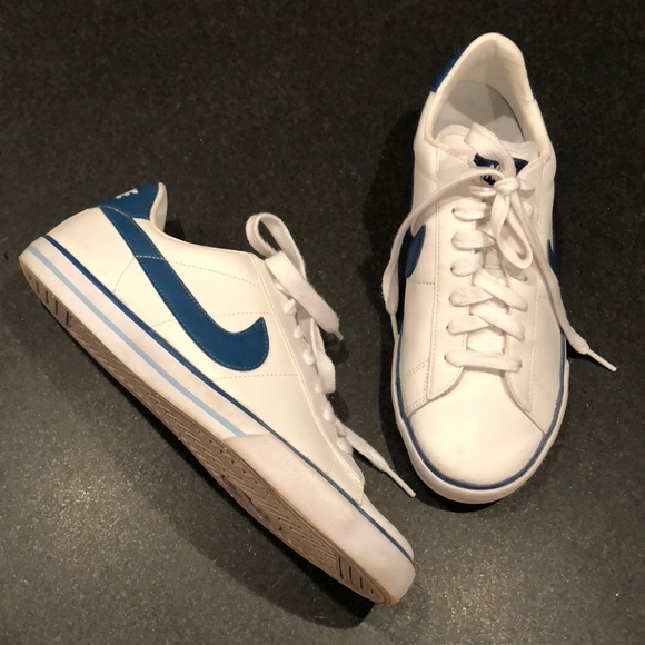 swoosh nike shoes